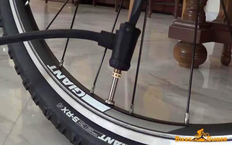 Pump Bicycle Tire Through Schrader Valve