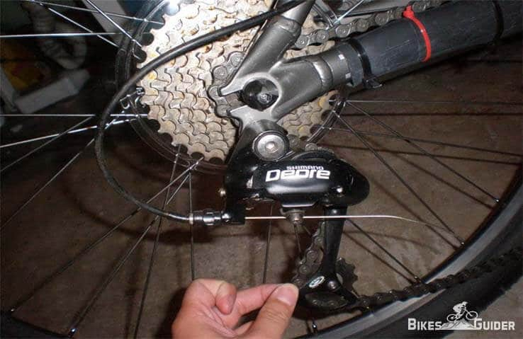 How To Adjust Rear Derailleur on Your Mountain or Road Bike