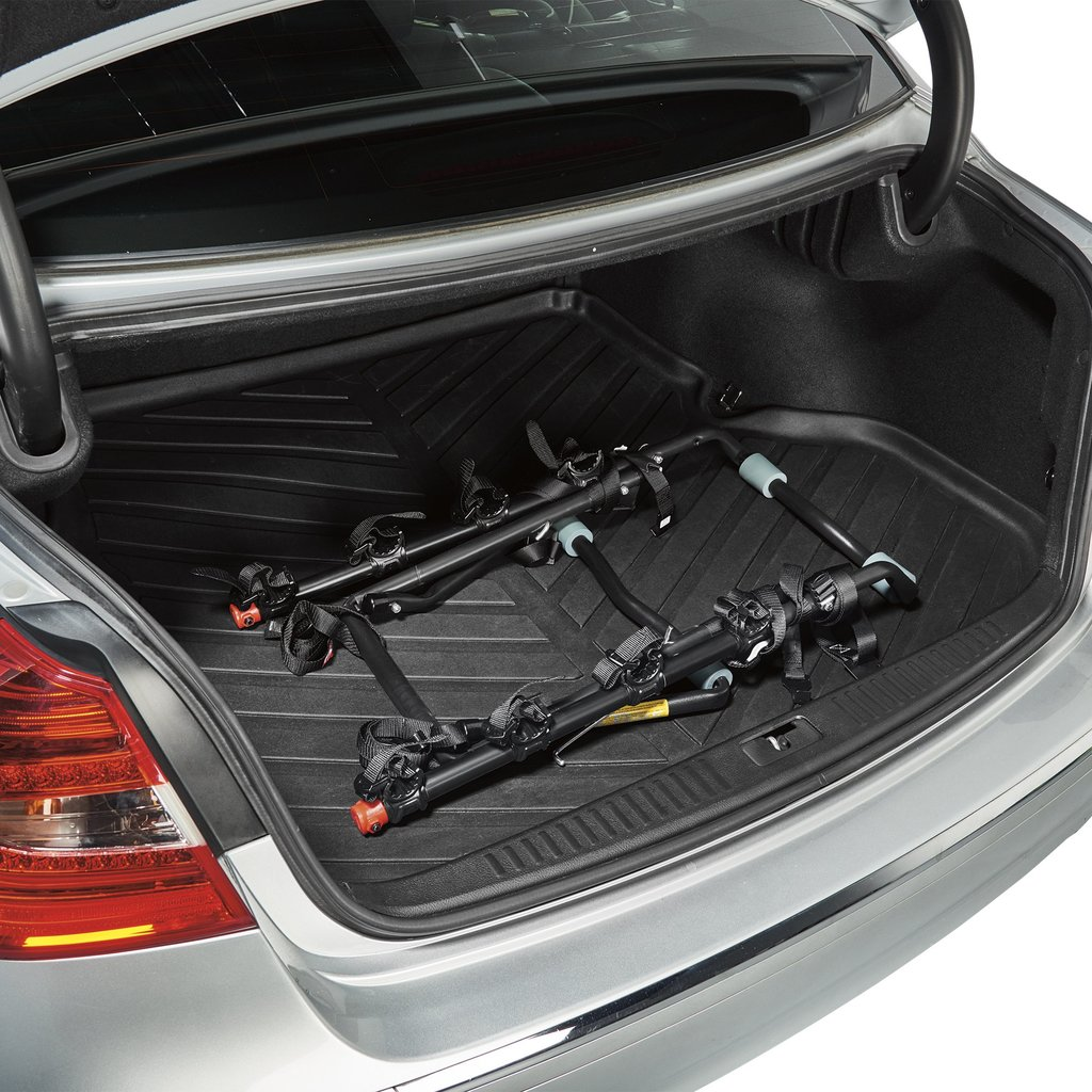 Allen Deluxe trunk bike rack in the boot
