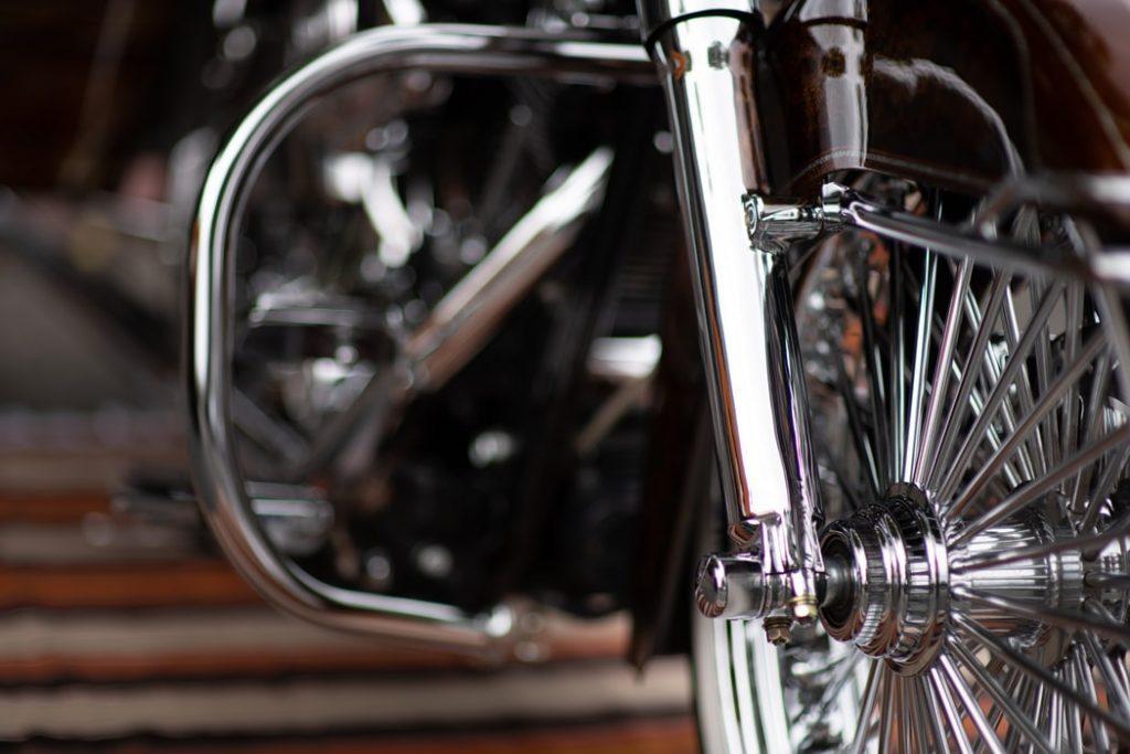 Spoke string on a motorbike
